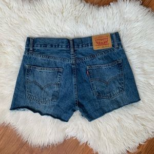 Levis vintage cut off shorts